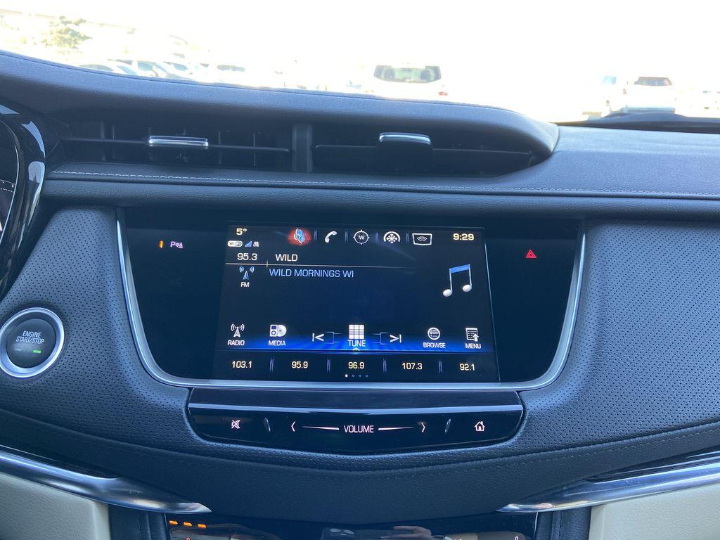 Black[Manhattan Noir Metallic] 2019 Cadillac XT5 Radio Controls Closeup Photo in Calgary AB