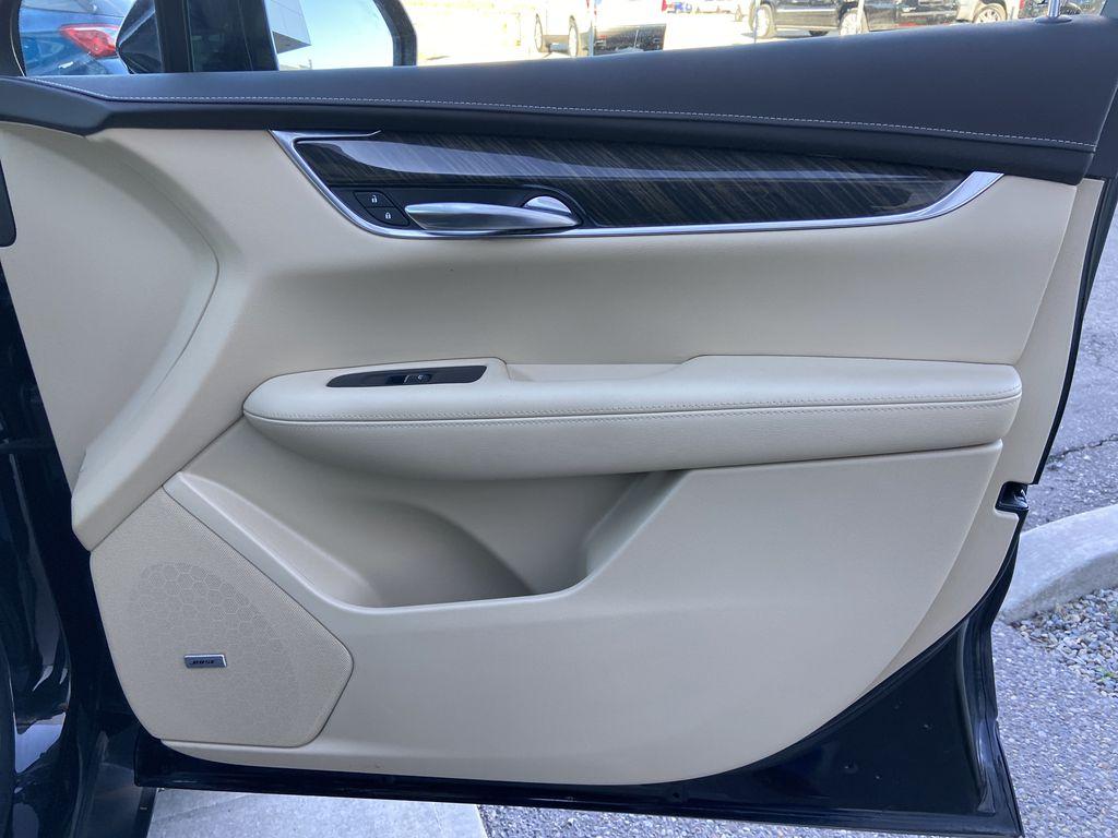 Black[Manhattan Noir Metallic] 2019 Cadillac XT5 Right Front Interior Door Panel Photo in Calgary AB