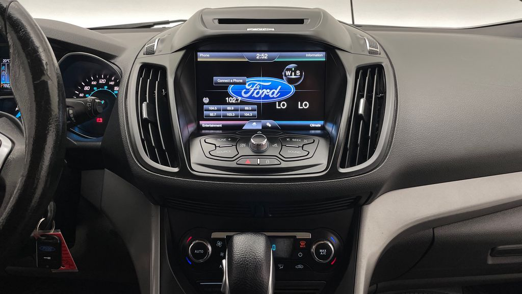 Gray[Sterling Grey Metallic] 2013 Ford Escape SE 4WD - 2.0L EcoBoost, Heated Seats, Alloy Wheels Additional Photo 2 in Winnipeg MB