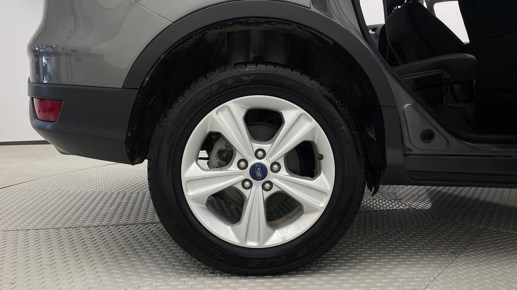 Gray[Sterling Grey Metallic] 2013 Ford Escape SE 4WD - 2.0L EcoBoost, Heated Seats, Alloy Wheels Right Rear Rim and Tire Photo in Winnipeg MB