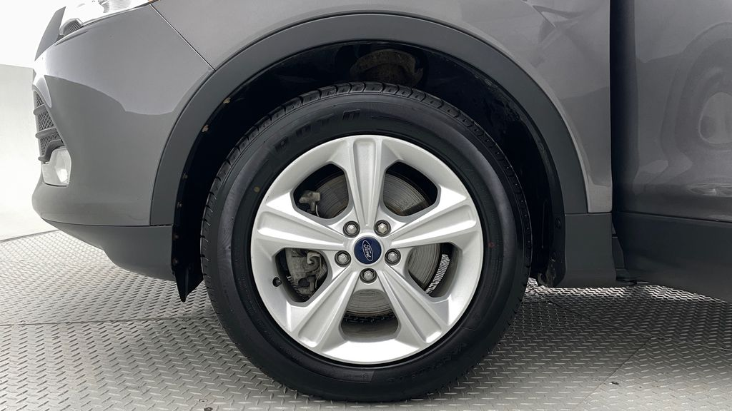 Gray[Sterling Grey Metallic] 2013 Ford Escape SE 4WD - 2.0L EcoBoost, Heated Seats, Alloy Wheels Left Front Rim and Tire Photo in Winnipeg MB