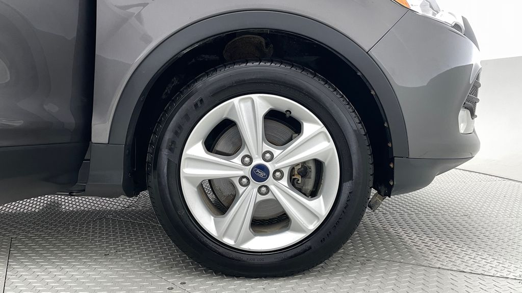 Gray[Sterling Grey Metallic] 2013 Ford Escape SE 4WD - 2.0L EcoBoost, Heated Seats, Alloy Wheels Right Front Rim and Tire Photo in Winnipeg MB