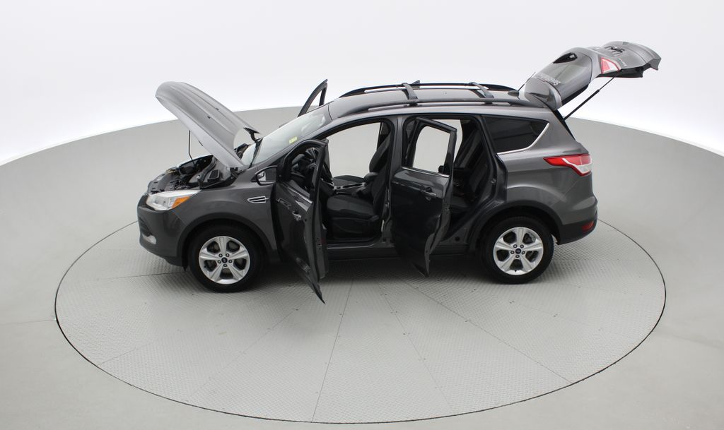 Gray[Sterling Grey Metallic] 2013 Ford Escape SE 4WD - 2.0L EcoBoost, Heated Seats, Alloy Wheels Left Side Photo in Winnipeg MB