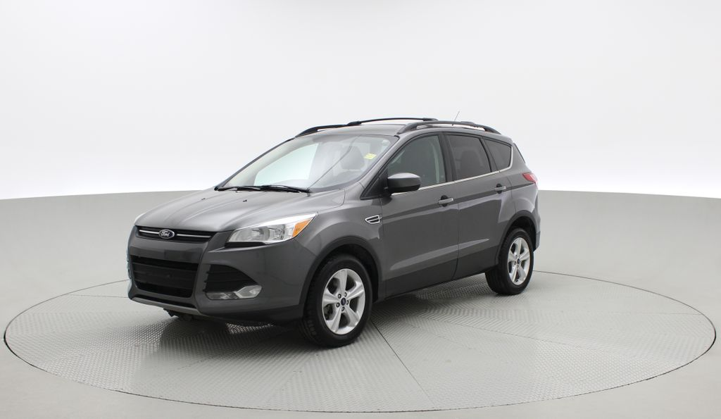 Gray[Sterling Grey Metallic] 2013 Ford Escape SE 4WD - 2.0L EcoBoost, Heated Seats, Alloy Wheels Left Front Corner Photo in Winnipeg MB