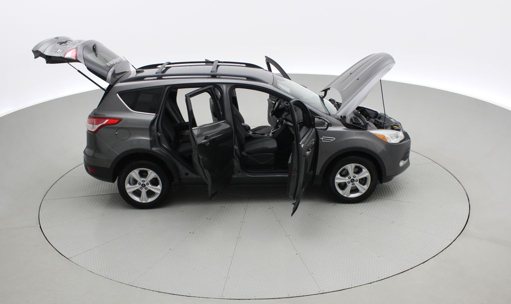 Gray[Sterling Grey Metallic] 2013 Ford Escape SE 4WD - 2.0L EcoBoost, Heated Seats, Alloy Wheels Right Side Photo in Winnipeg MB