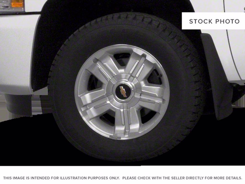 Silver[Silver Ice Metallic] 2013 Chevrolet Silverado 1500 Left Front Corner Photo in Brandon MB