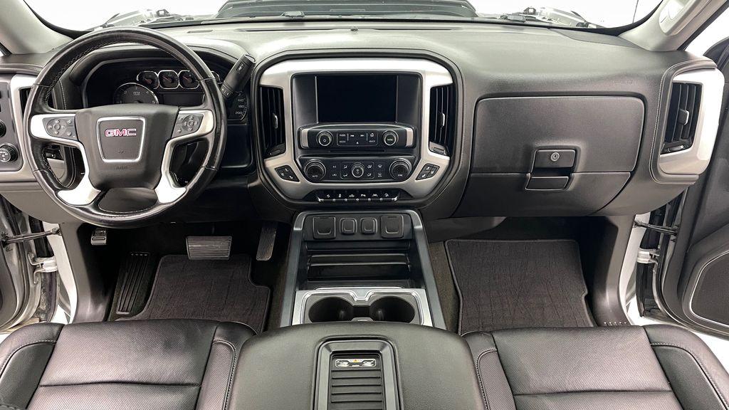 Silver[Quicksilver Metallic] 2017 GMC Sierra 1500 SLT Z71 4WD - Crew Cab, 5.3L, LOW KMs Central Dash Options Photo in Winnipeg MB