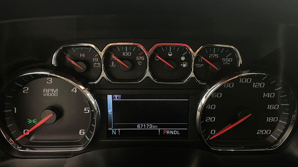 Silver[Quicksilver Metallic] 2017 GMC Sierra 1500 SLT Z71 4WD - Crew Cab, 5.3L, LOW KMs Odometer Photo in Winnipeg MB