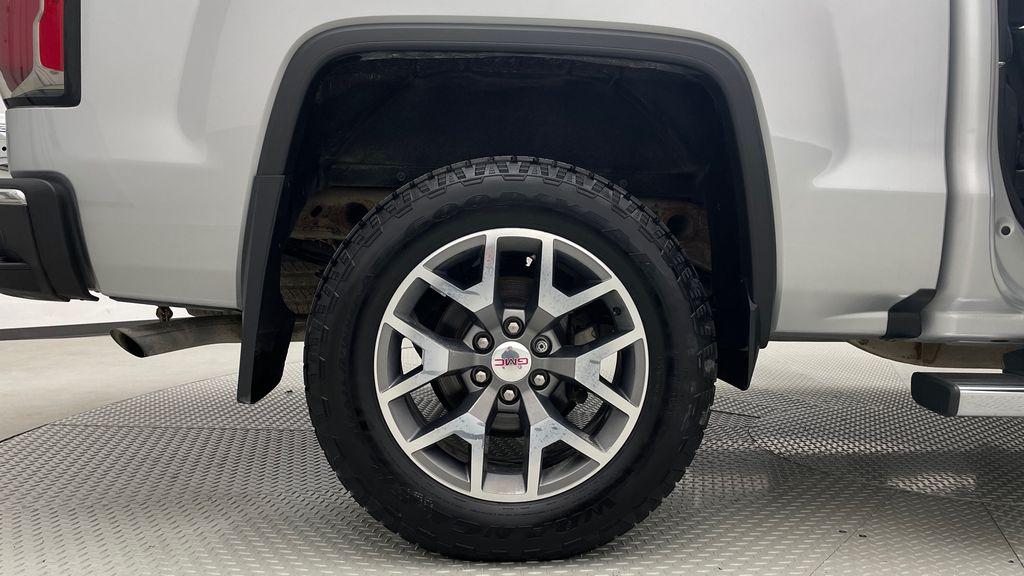 Silver[Quicksilver Metallic] 2017 GMC Sierra 1500 SLT Z71 4WD - Crew Cab, 5.3L, LOW KMs Right Rear Rim and Tire Photo in Winnipeg MB