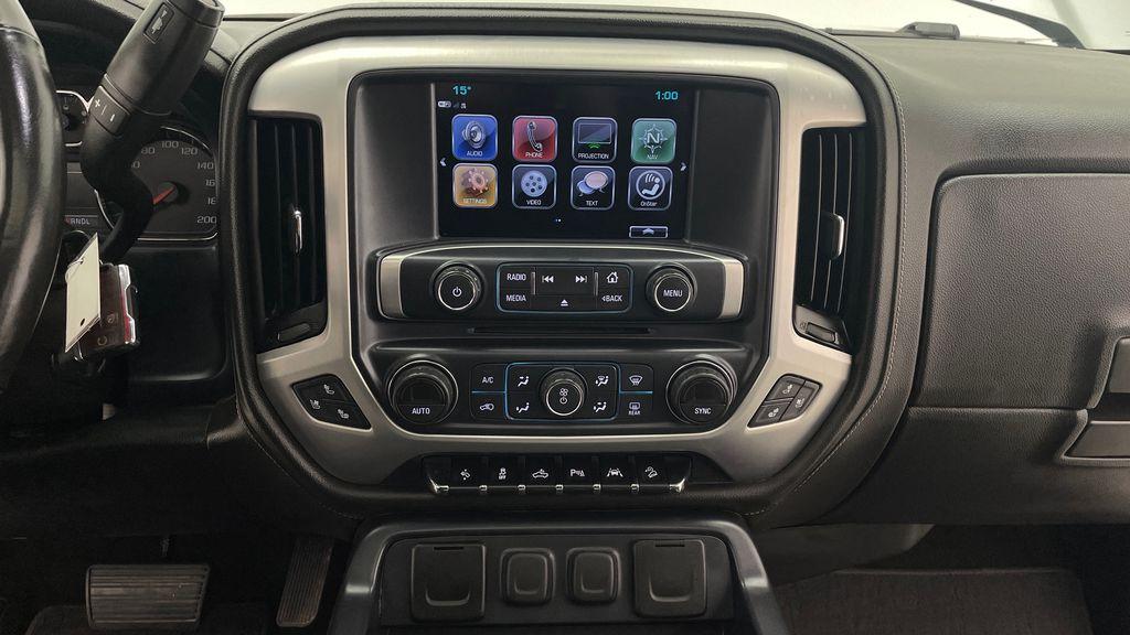 Silver[Quicksilver Metallic] 2017 GMC Sierra 1500 SLT Z71 4WD - Crew Cab, 5.3L, LOW KMs Additional Photo 2 in Winnipeg MB