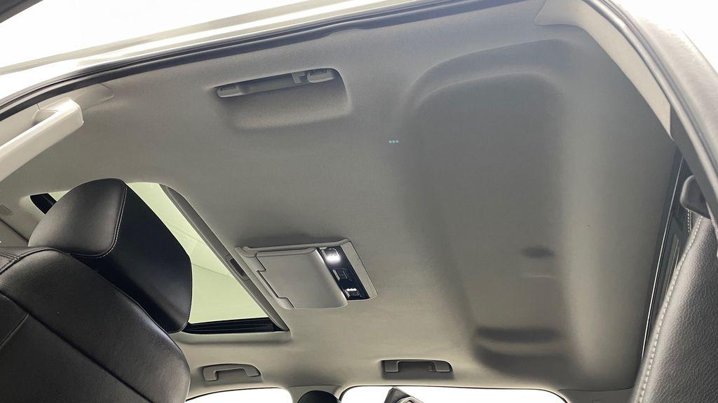 Silver[Quicksilver Metallic] 2017 GMC Sierra 1500 SLT Z71 4WD - Crew Cab, 5.3L, LOW KMs Headliner / Equipment Photo in Winnipeg MB