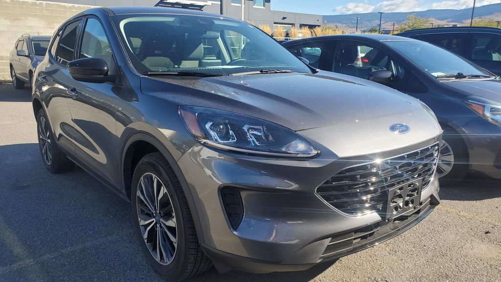 Gray[Carbonized Grey Metallic] 2021 Ford Escape Right Front Corner Photo in Kelowna BC