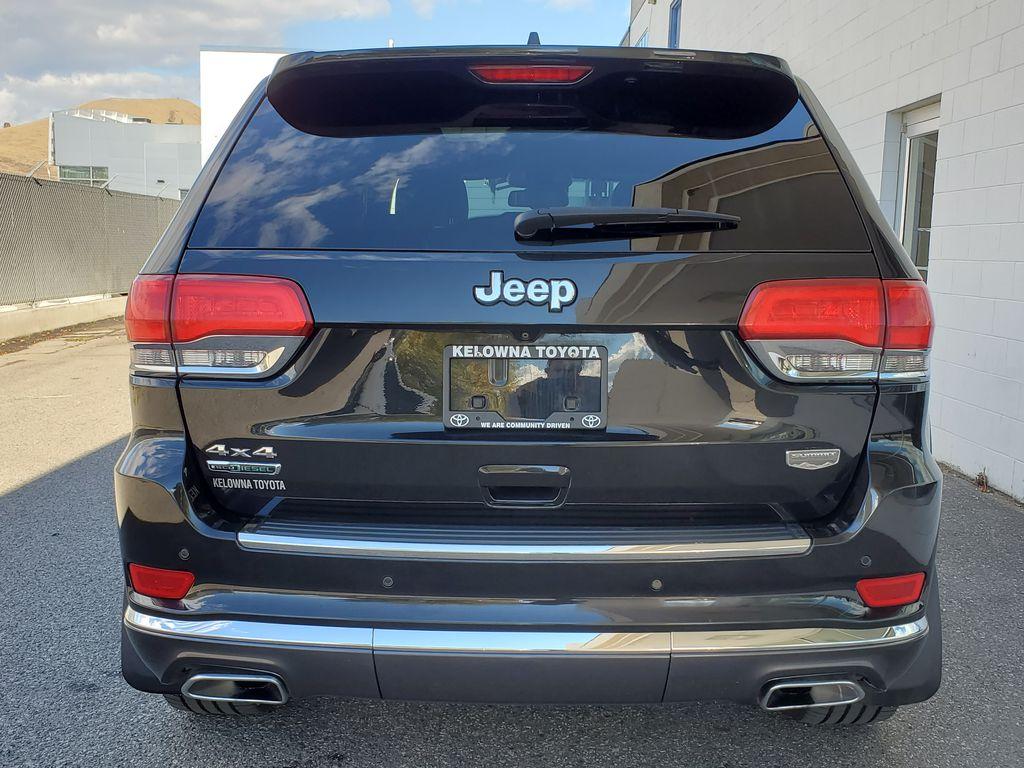 Black[Brilliant Black Crystal Pearl] 2015 Jeep Grand Cherokee Summit Diesel Rear of Vehicle Photo in Kelowna BC