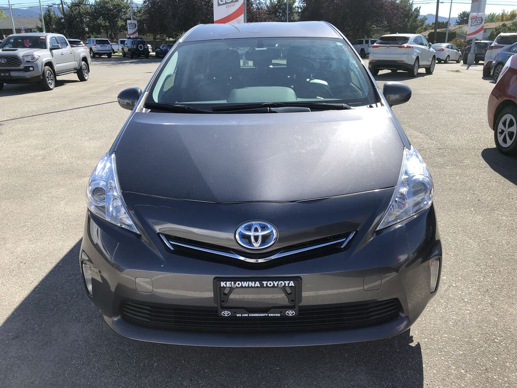Silver[Classic Silver Metallic] 2014 Toyota Prius v Front Vehicle Photo in Kelowna BC