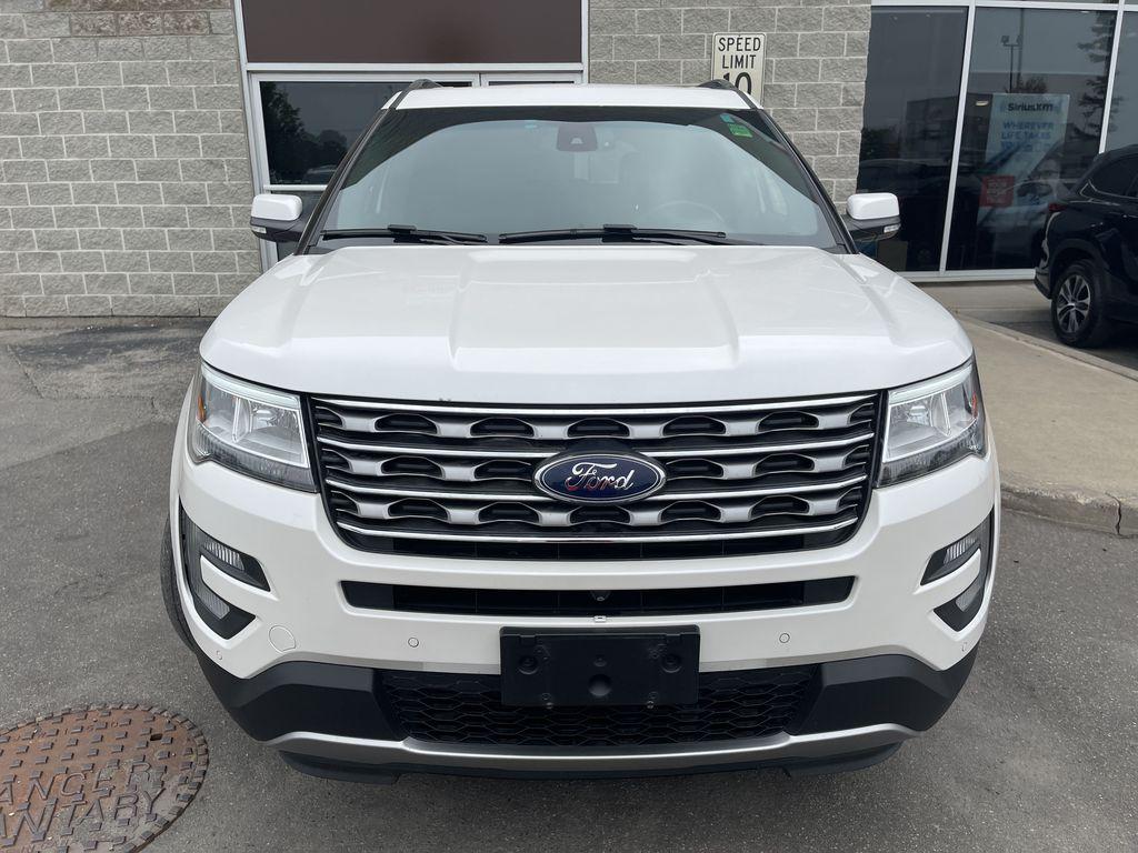White[White Platinum Metallic Tri-Coat] 2017 Ford Explorer clean Left Rear Interior Door Panel Photo in Brampton ON