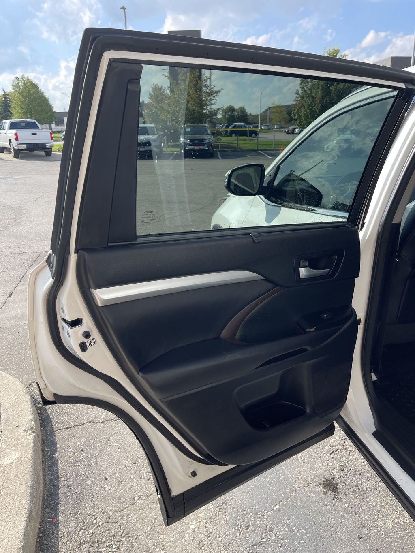 White[Blizzard Pearl] 2017 Toyota Highlander clean Left Side Rear Seat  Photo in Brampton ON