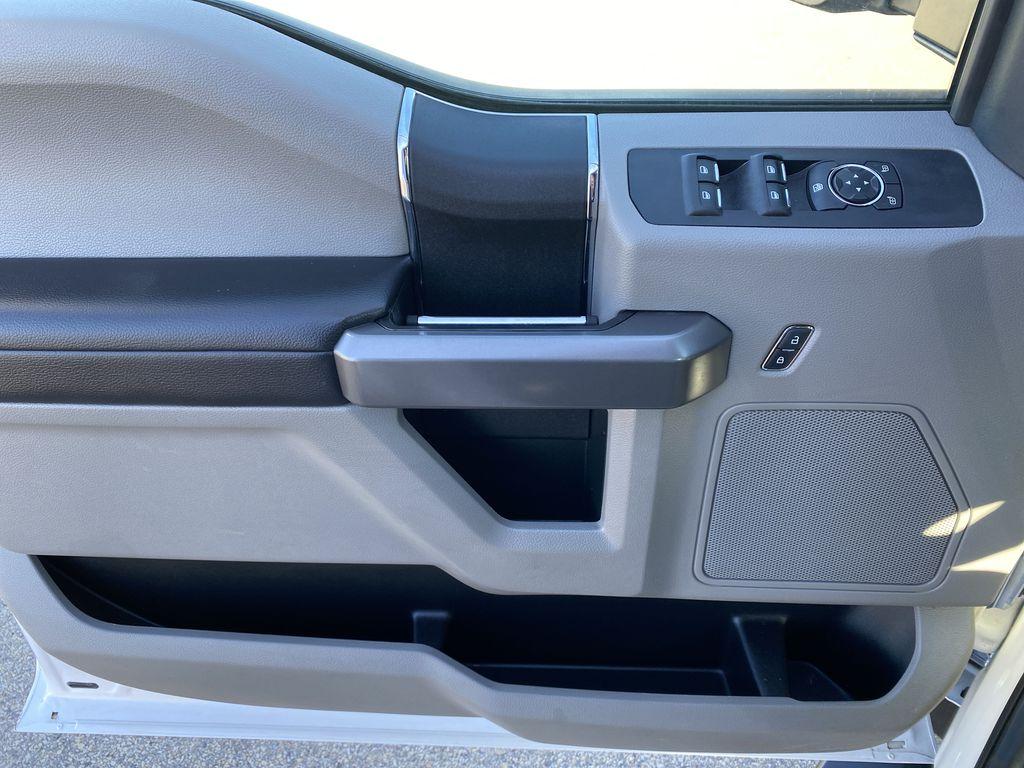 White[Oxford White] 2019 Ford Super Duty F-250 SRW Left Front Interior Door Panel Photo in Edmonton AB