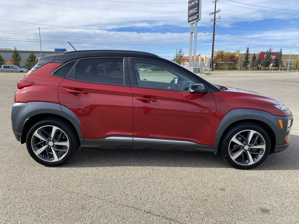 Red[Pulse Red w/Black Roof] 2018 Hyundai Kona Right Side Photo in Edmonton AB