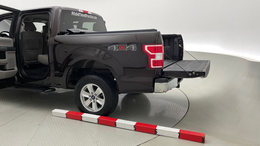 Red[Magma] 2018 Ford F-150 XLT 4WD - 3.5L EcoBoost, SupreCrew, Running Boards Additional Photo 1 in Winnipeg MB
