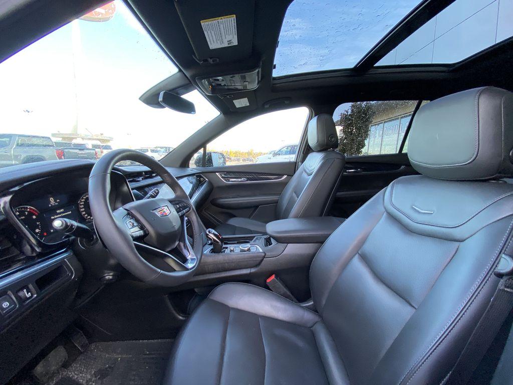 Black[Manhattan Noir Metallic] 2020 Cadillac XT6 Premium Luxury Left Front Interior Photo in Calgary AB