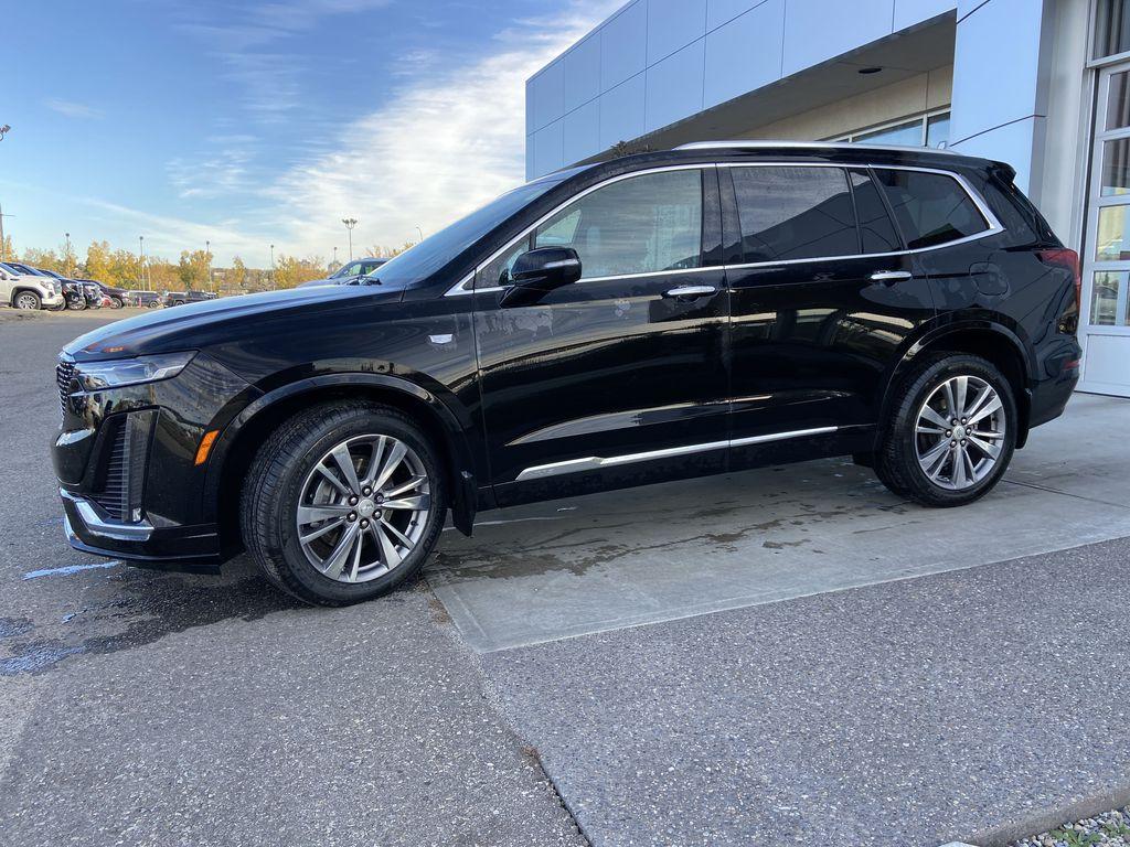 Black[Manhattan Noir Metallic] 2020 Cadillac XT6 Premium Luxury Left Front Corner Photo in Calgary AB