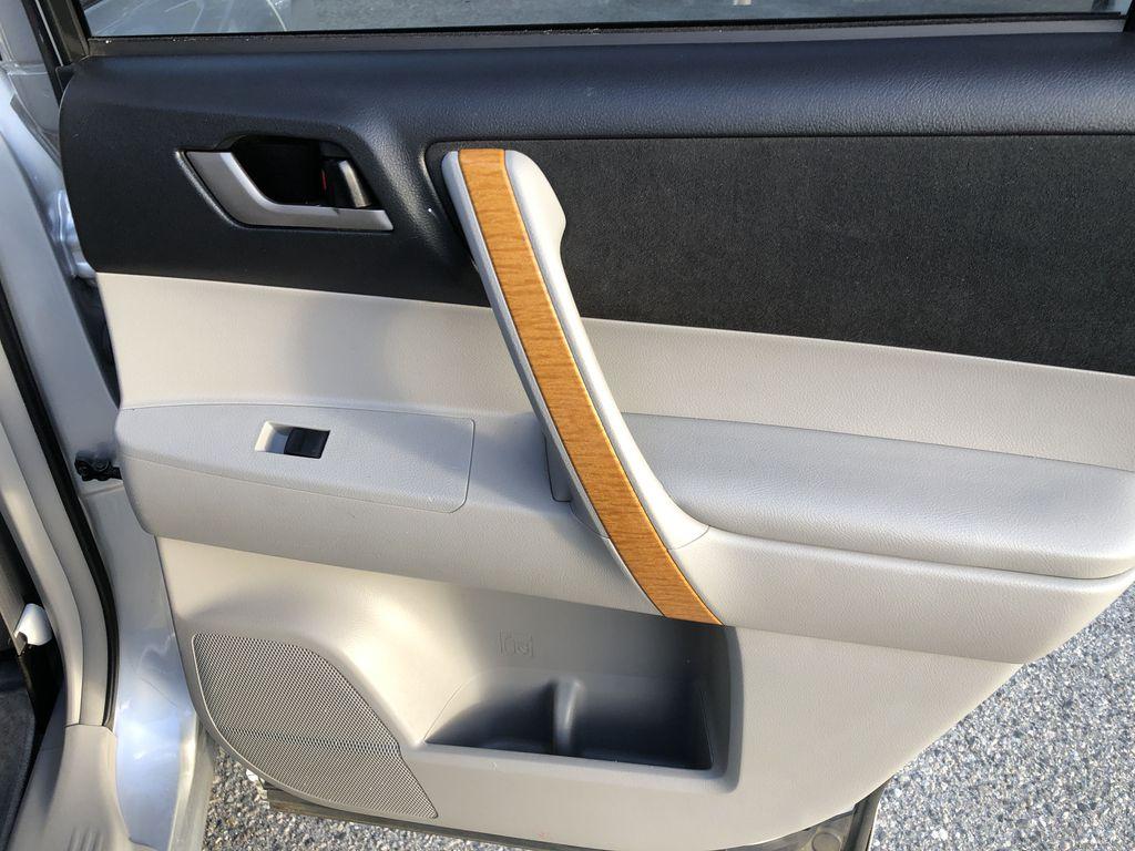 Silver[Classic Silver Metallic] 2009 Toyota Highlander Hybrid Right Rear Interior Door Panel Photo in Kelowna BC