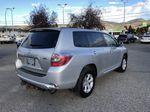 Silver[Classic Silver Metallic] 2009 Toyota Highlander Hybrid Right Rear Corner Photo in Kelowna BC