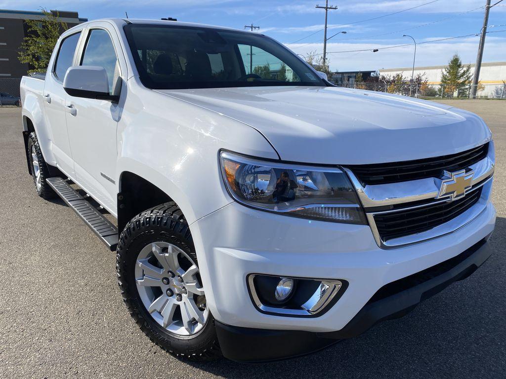 White[Summit White] 2017 Chevrolet Colorado Right Front Corner Photo in Edmonton AB