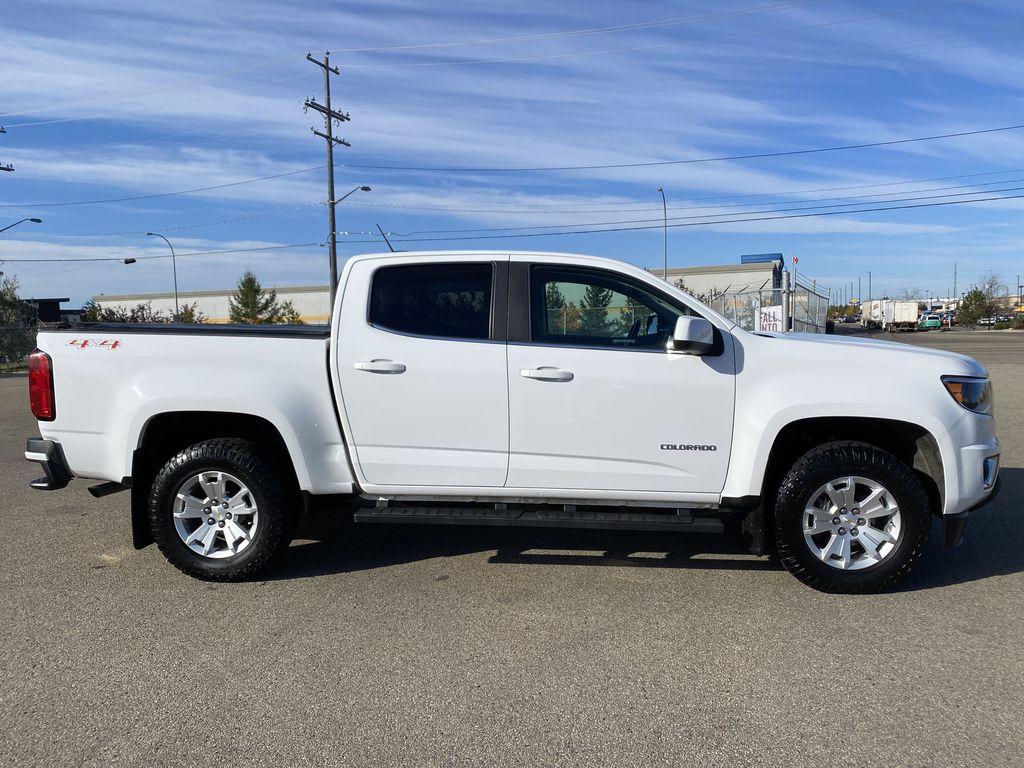 White[Summit White] 2017 Chevrolet Colorado Right Side Photo in Edmonton AB