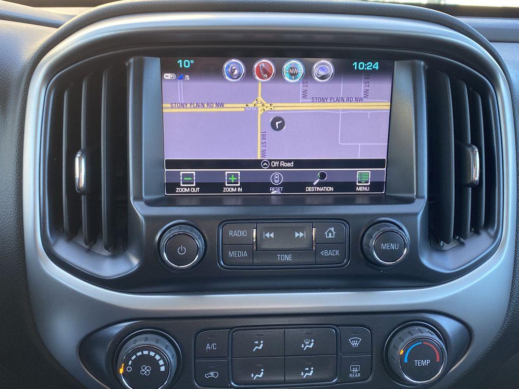 White[Summit White] 2017 Chevrolet Colorado Navigation Screen Closeup Photo in Edmonton AB