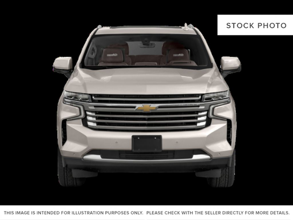 White[Iridescent Pearl Tricoat] 2021 Chevrolet Tahoe High Country Front Vehicle Photo in Calgary AB