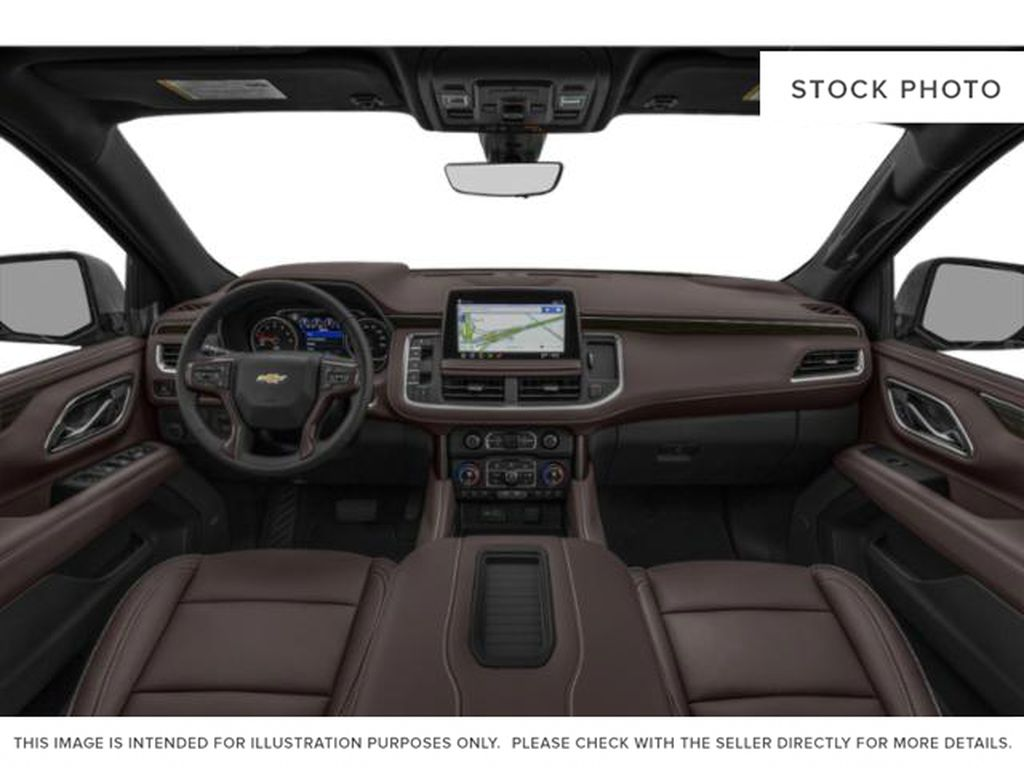 White[Iridescent Pearl Tricoat] 2021 Chevrolet Tahoe High Country Central Dash Options Photo in Calgary AB