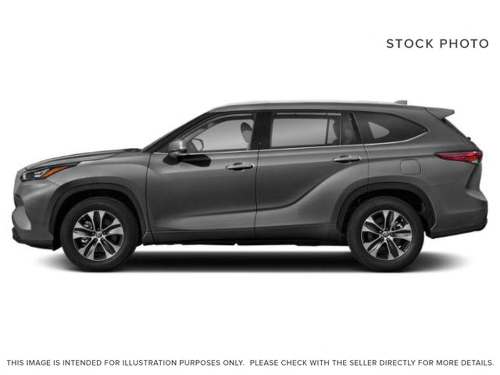 Gray[Magnetic Grey Metallic] 2021 Toyota Highlander Left Side Photo in Kelowna BC