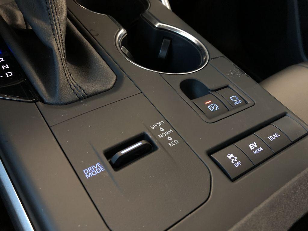 Celestial Silver Metallic 2021 Toyota Highlander Hybrid XLE Engine Compartment Photo in Edmonton AB