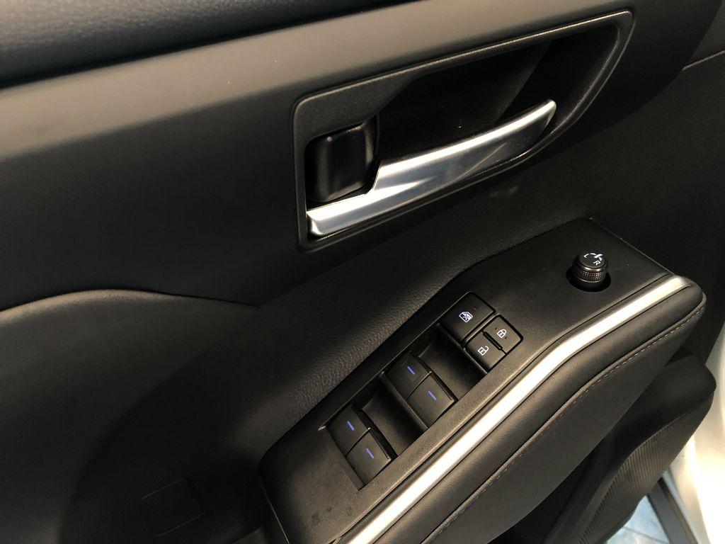 Celestial Silver Metallic 2021 Toyota Highlander Hybrid XLE Fourth Row  Seat  Photo in Edmonton AB
