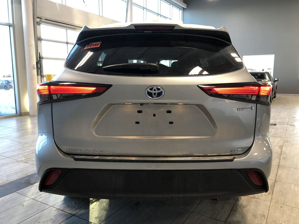 Celestial Silver Metallic 2021 Toyota Highlander Hybrid XLE Trunk / Cargo Area Photo in Edmonton AB
