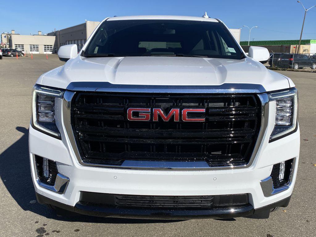 White[Summit White] 2021 GMC Yukon XL Front Vehicle Photo in Edmonton AB