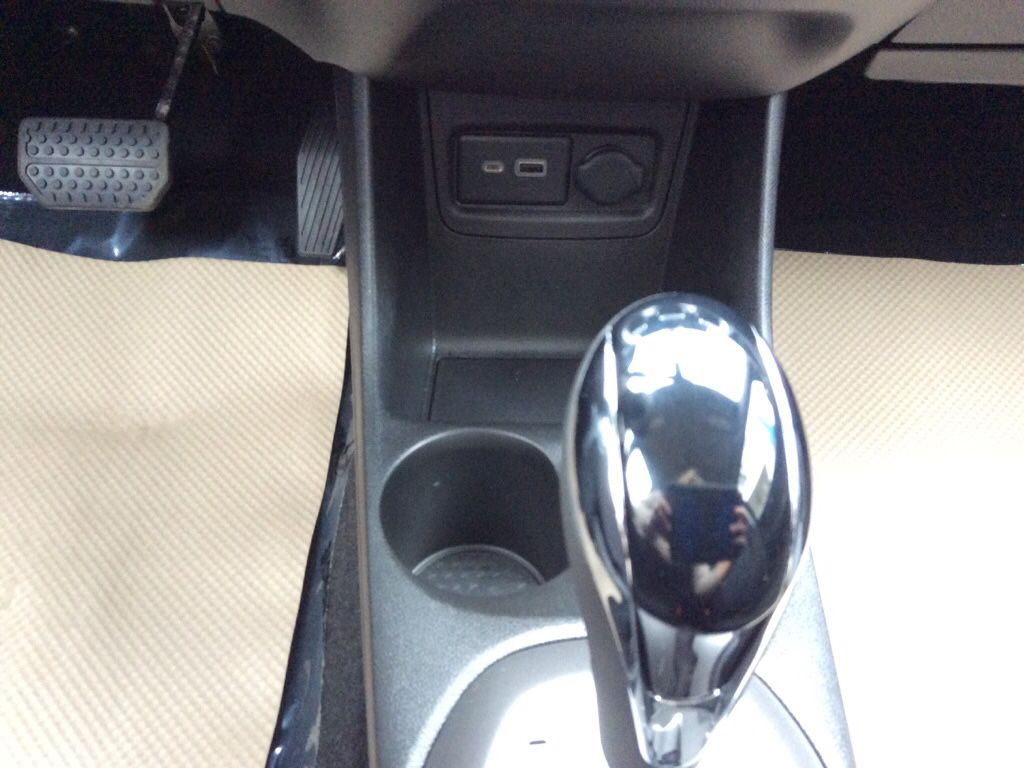 Blue 2022 Chevrolet Spark Center Console Photo in Westlock AB