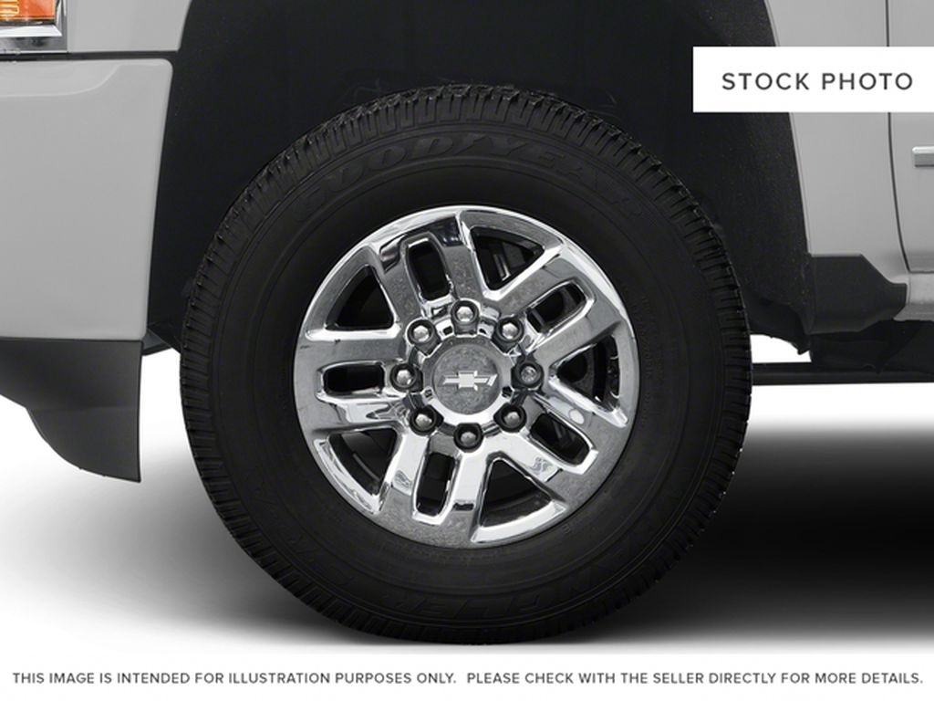 White[Iridescent Pearl Tricoat] 2018 Chevrolet Silverado 3500HD Left Front Rim and Tire Photo in Fort Macleod AB