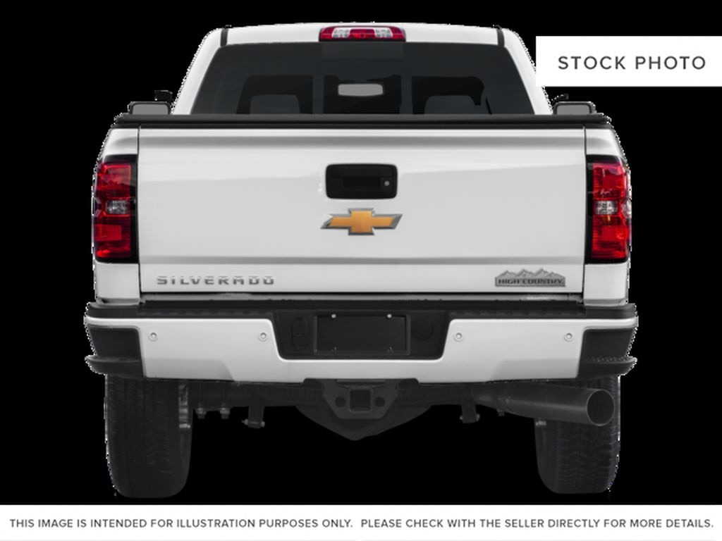 White[Iridescent Pearl Tricoat] 2018 Chevrolet Silverado 3500HD Rear of Vehicle Photo in Fort Macleod AB
