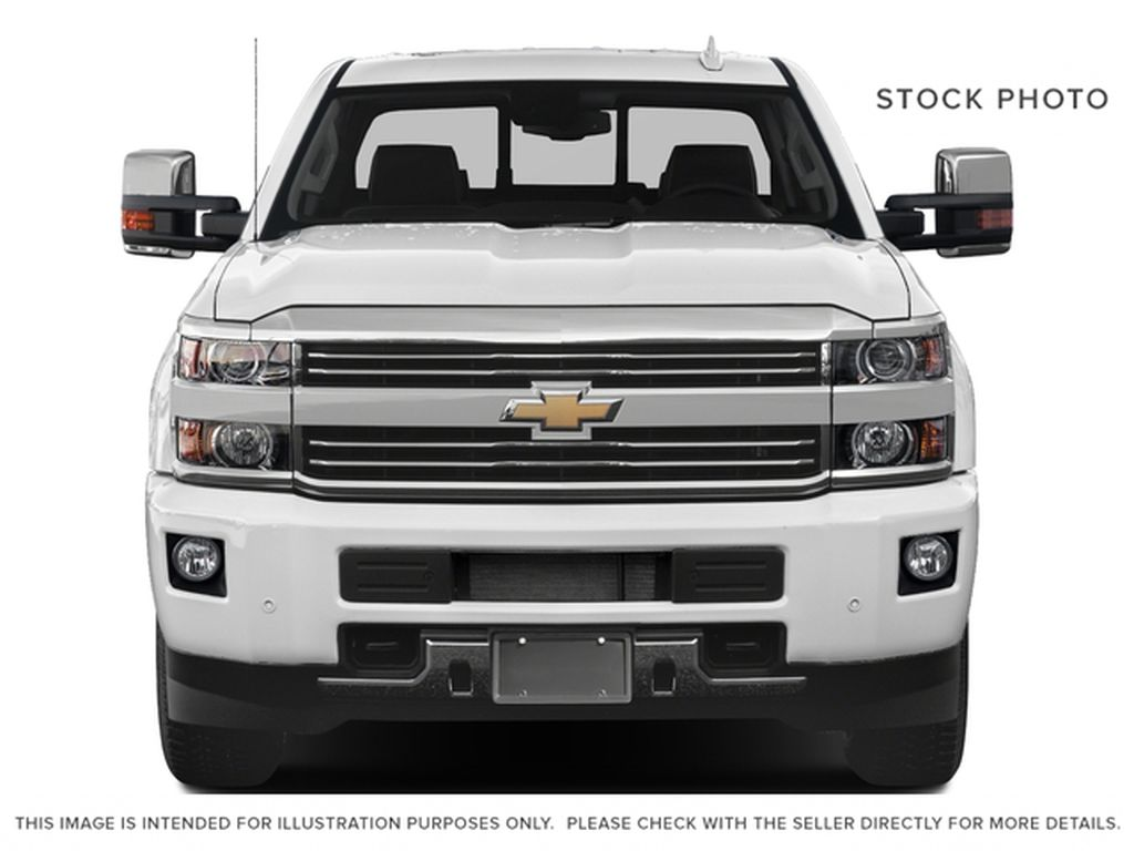 White[Iridescent Pearl Tricoat] 2018 Chevrolet Silverado 3500HD Front Vehicle Photo in Fort Macleod AB