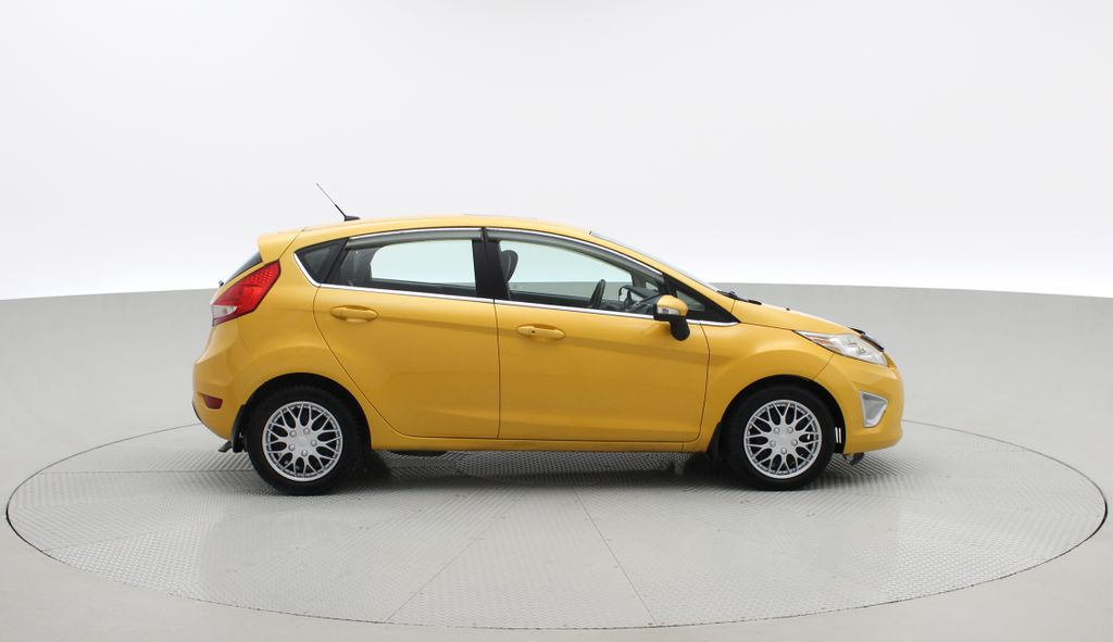 Yellow[Yellow Blaze Metallic Tri-Coat] 2011 Ford Fiesta SES - Automatic, Leather, LOW PRICE, Sunroof Right Side Photo in Winnipeg MB