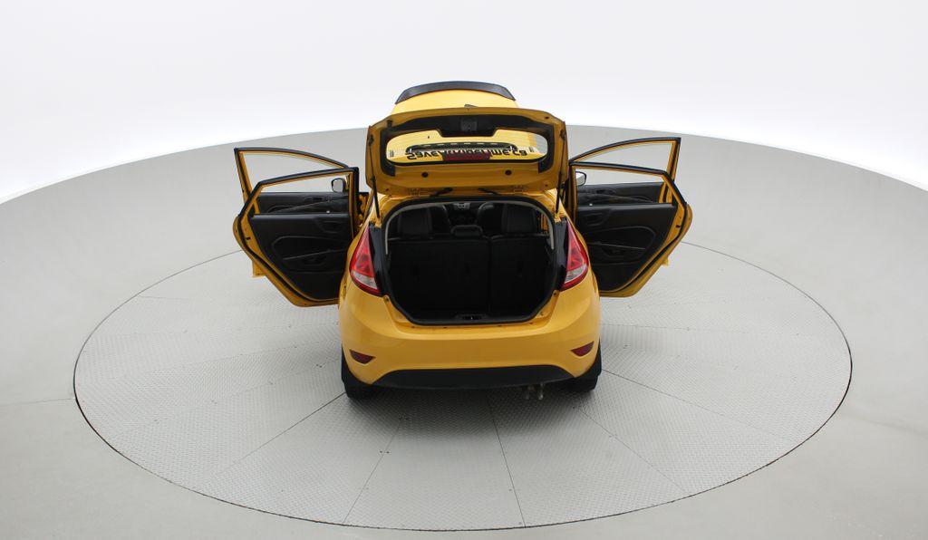Yellow[Yellow Blaze Metallic Tri-Coat] 2011 Ford Fiesta SES - Automatic, Leather, LOW PRICE, Sunroof Rear of Vehicle Photo in Winnipeg MB