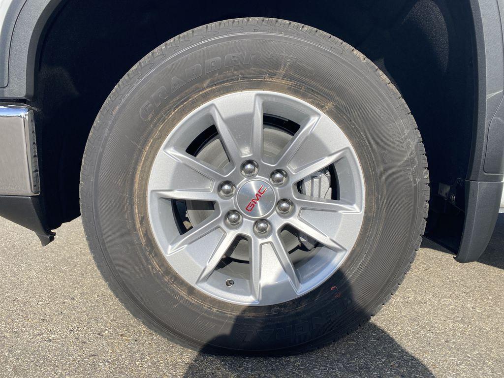 White[Summit White] 2021 GMC Sierra 1500 Left Front Rim and Tire Photo in Edmonton AB