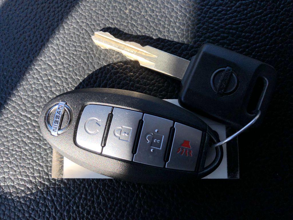 White[Glacier White] 2018 Nissan Titan XD Key and Fob Photo in Edmonton AB