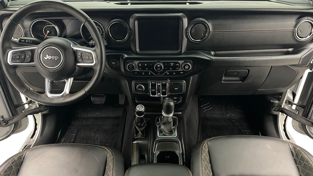 Silver[Billet Silver Metallic] 2021 Jeep Wrangler Unlimited High Altitude - RARE Gas/Electric Hybrid Central Dash Options Photo in Winnipeg MB