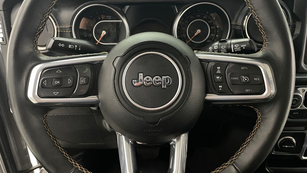 Silver[Billet Silver Metallic] 2021 Jeep Wrangler Unlimited High Altitude - RARE Gas/Electric Hybrid Additional Photo 1 in Winnipeg MB