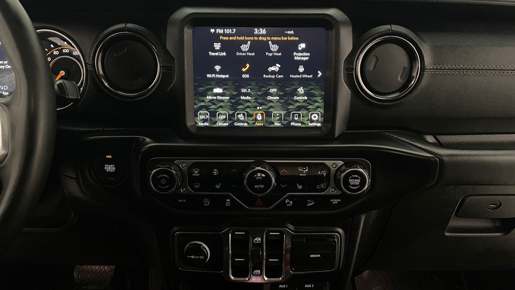 Silver[Billet Silver Metallic] 2021 Jeep Wrangler Unlimited High Altitude - RARE Gas/Electric Hybrid Additional Photo 3 in Winnipeg MB