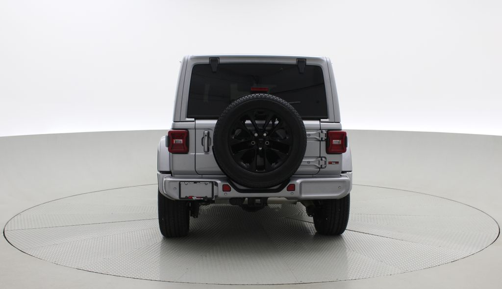 Silver[Billet Silver Metallic] 2021 Jeep Wrangler Unlimited High Altitude - RARE Gas/Electric Hybrid Rear of Vehicle Photo in Winnipeg MB