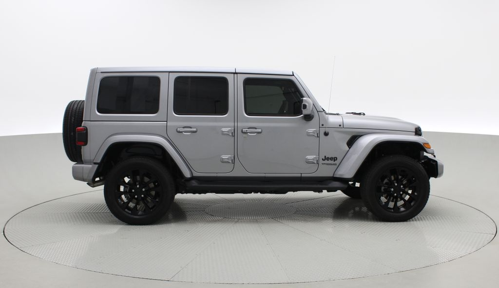 Silver[Billet Silver Metallic] 2021 Jeep Wrangler Unlimited High Altitude - RARE Gas/Electric Hybrid Right Side Photo in Winnipeg MB